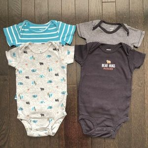 Bundle of 4 Carter's Bodysuits in 9-12 months